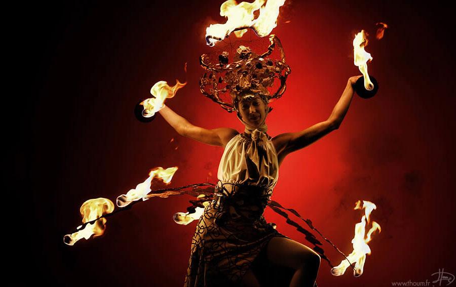 Появление огня позволило развить свою активность в ночное время, защищаться от хищников и существенн