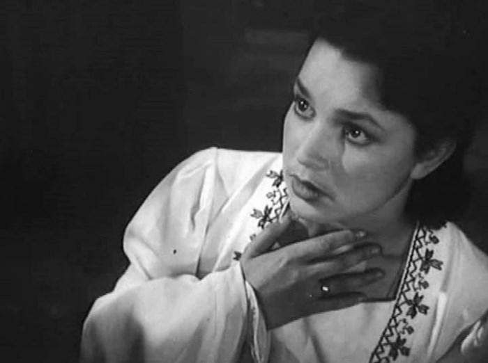 Кинокарьера Инны Бурдученко оборвалась, едва начавшись. Первая же роль в фильме «Иванна» (1959) прин