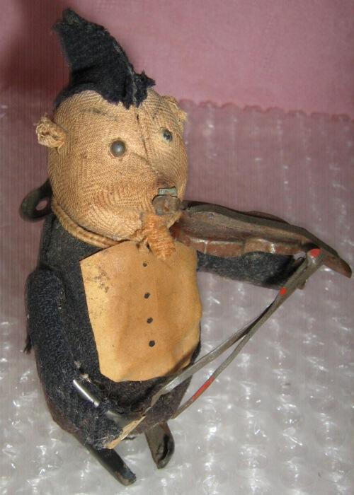 Ватная елочная игрушка — 17 000 рублей.