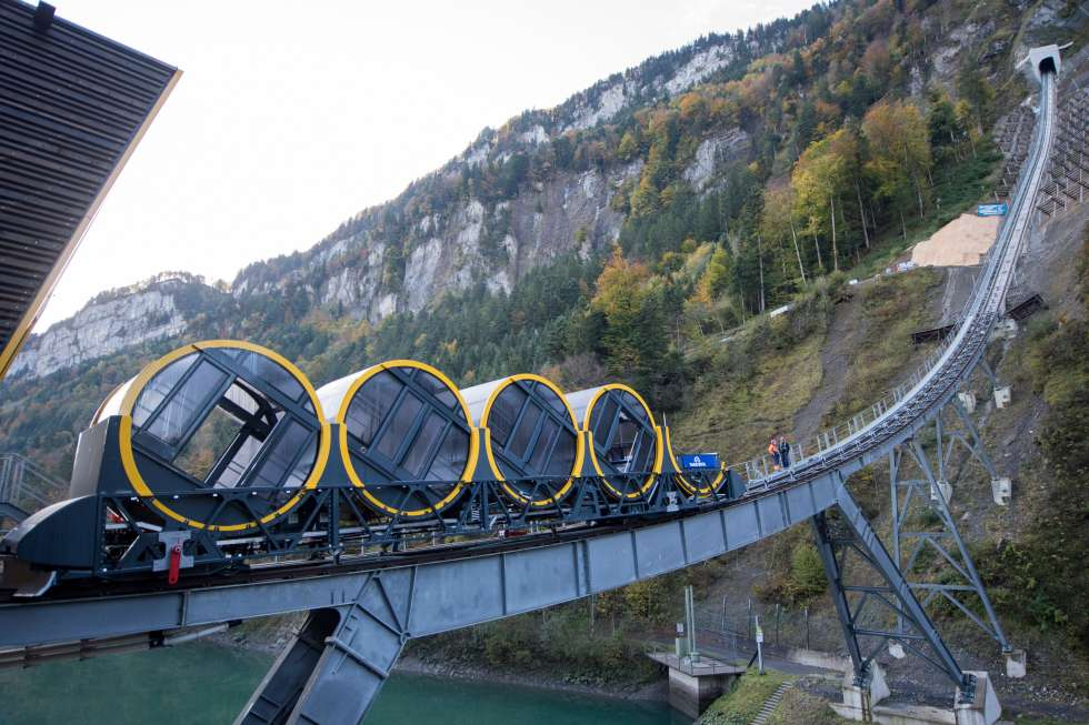 В Швейцарии открывается самый крутой фуникулер в мире