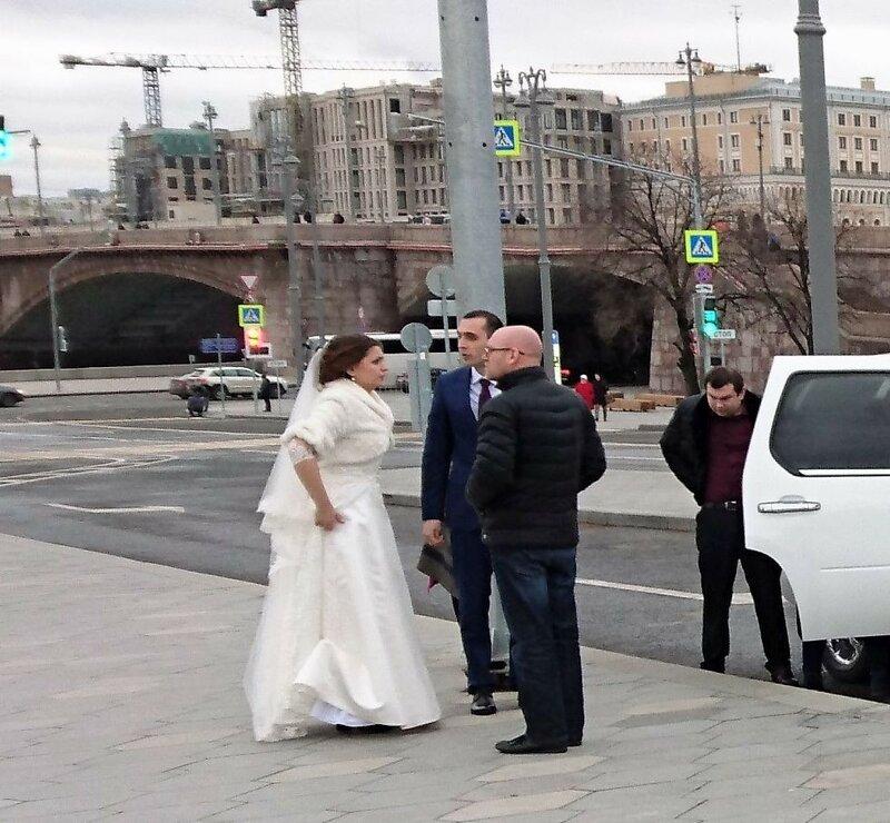 Подсмотрено. Тили-тили тесто, жених и невеста.