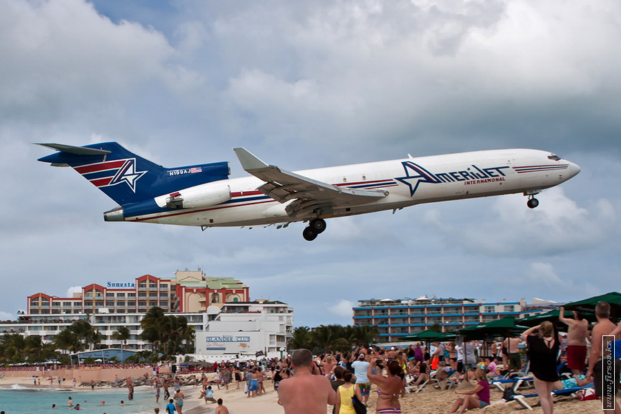 B-727_N199AJ_Amerijet_International_1_SXM_for_zps3aaa5fba.JPG