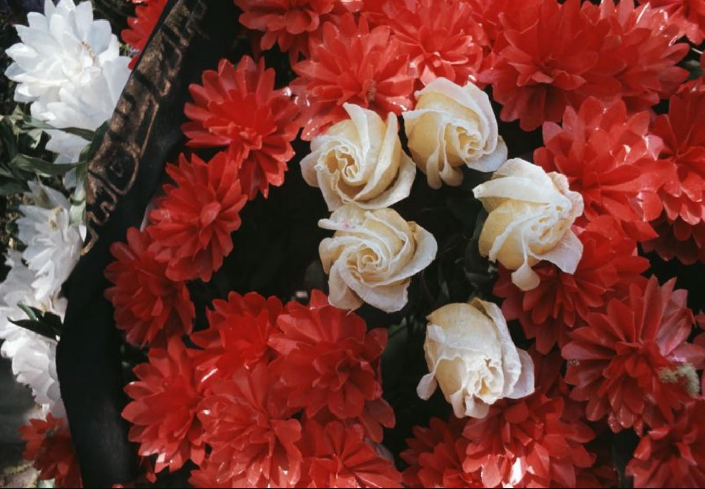 Цветочный венок с лентой