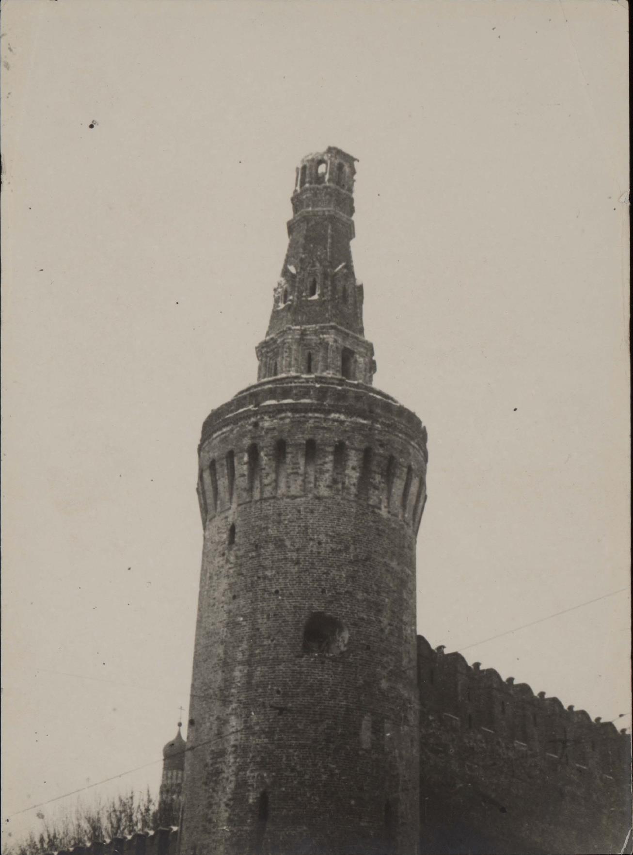 04. Разрушенная башня в Кремле