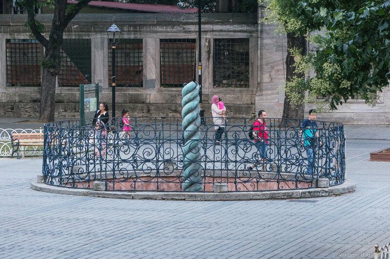 Змеиная колонна. Стамбул.