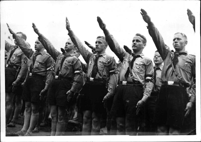 11.500 Hitlerjungen bei der Vereidigung