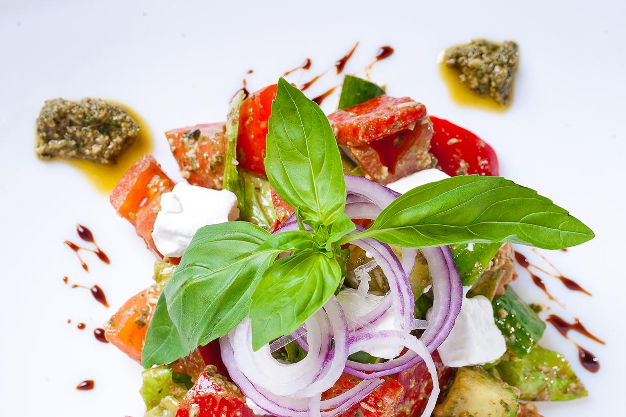 фотосъемка блюд на белом фоне