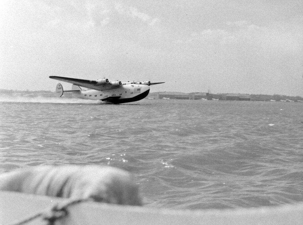 Boeing 314 Clipper of the Pan American in 1940 - Bernard Hoffman - LIFE