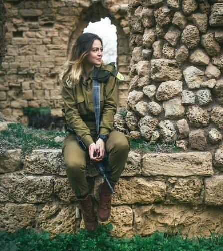 0 179df2 b0694f51 L - В израильской армии есть, на что посмотреть