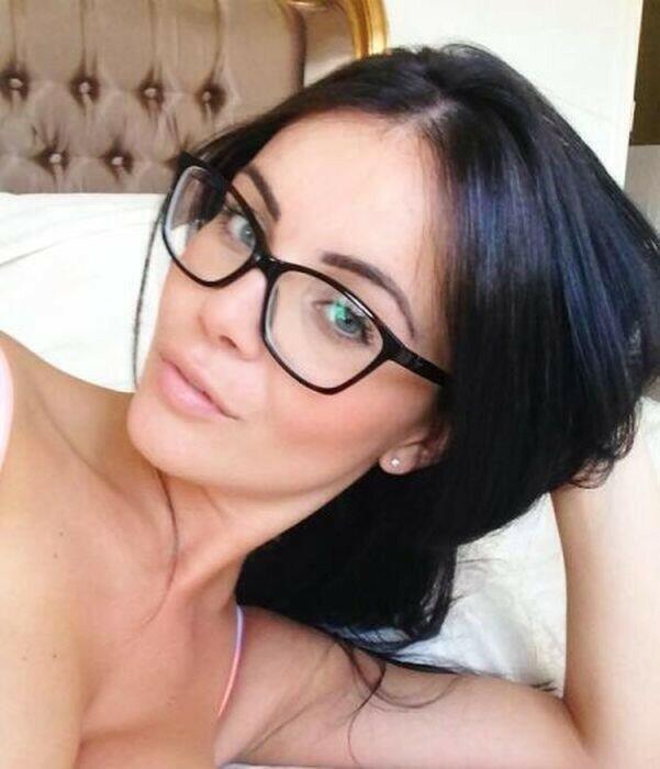 0 17a758 baa11cc1 XL - Красивые девушки в очках: фото