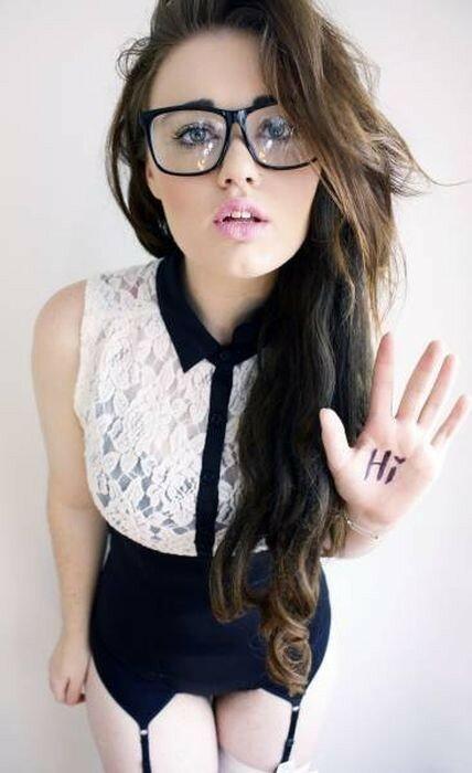 0 17a761 865163ec XL - Красивые девушки в очках: фото