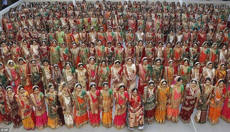 0 17cdbd 52ac44cf XL - Массовая свадьба и вдохновляющий пример благородства
