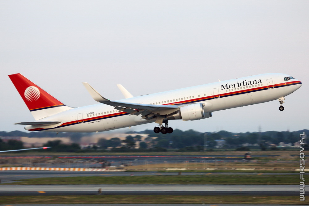 B-767_EI-FMR_Meridiana_3_JFK_resize (2).jpg