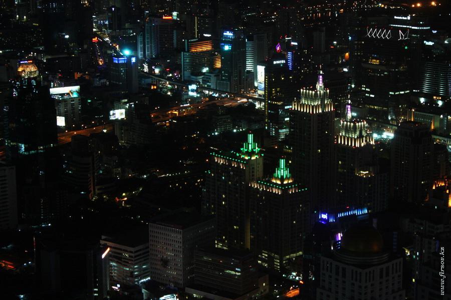 Bangkok_night2_zps7e8c446e.JPG