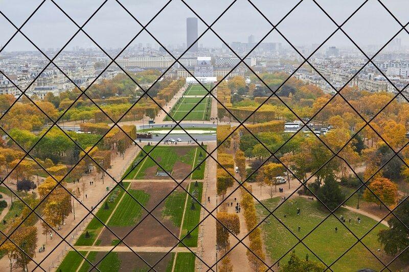 Париж - Виды с Эйфелевой башни (1-й этаж)