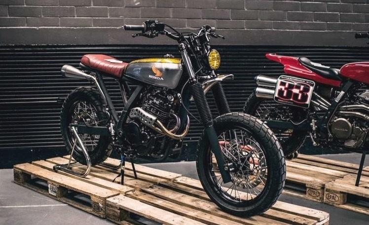 2Motors: скрэмблер Honda NX650