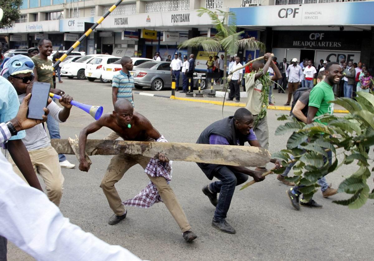 С дубиной наперевес: Лики кенийского протеста