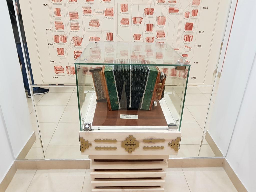 Самый популярный музыкальный инструмент на дискотеках Саратова прошлого столетия 20171102_104753.jpg