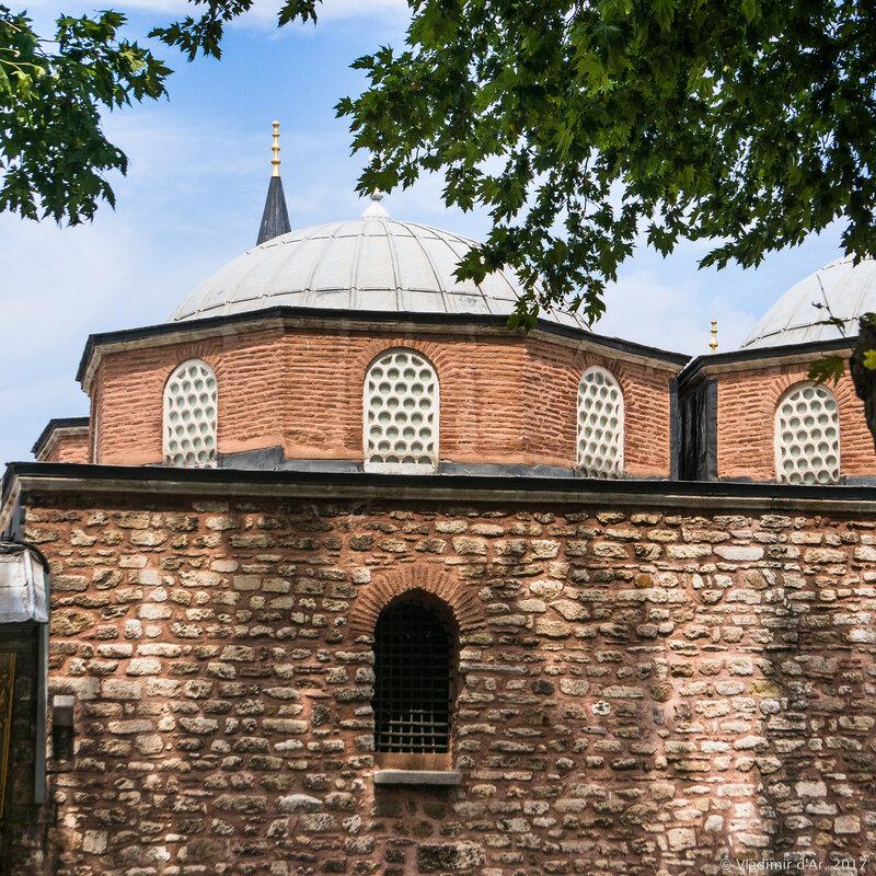 Дворец Топкапы в Стамбуле.  Внешняя казна Дыш Хазине (Dış Hazine)