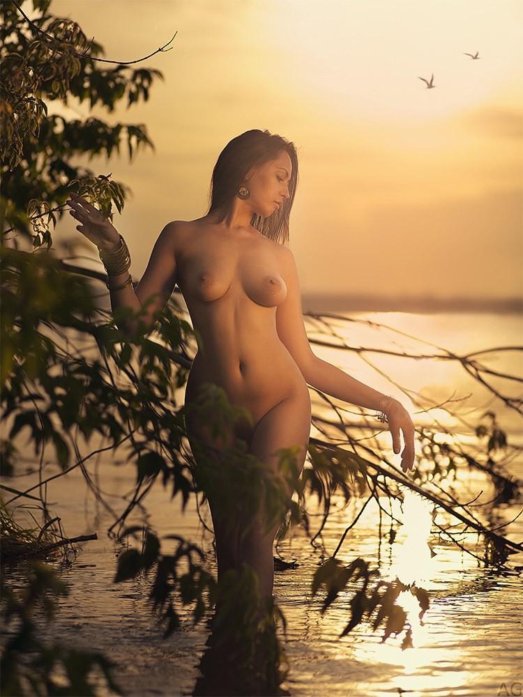 Красивое «Ню» Андрея Гнездилова