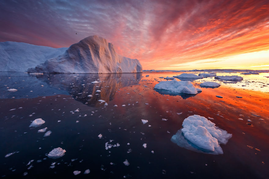 the-icebergs-of-disko-bay-that-i-captured-from-a-russian-yacht-near-greenland__880.jpg