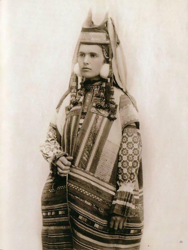0 17a7ec cba89403 XL - Девушки в древних славянских костюмах на старинных фотографиях