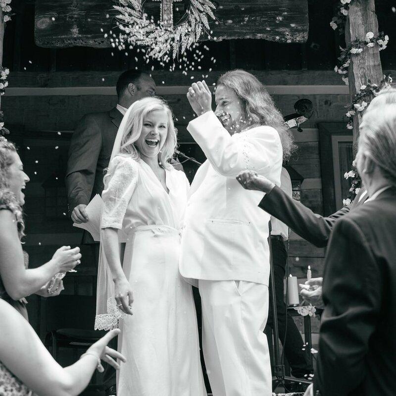 0 17b111 57ea5f4 XL - Купить свадебное платье или взять напрокат?
