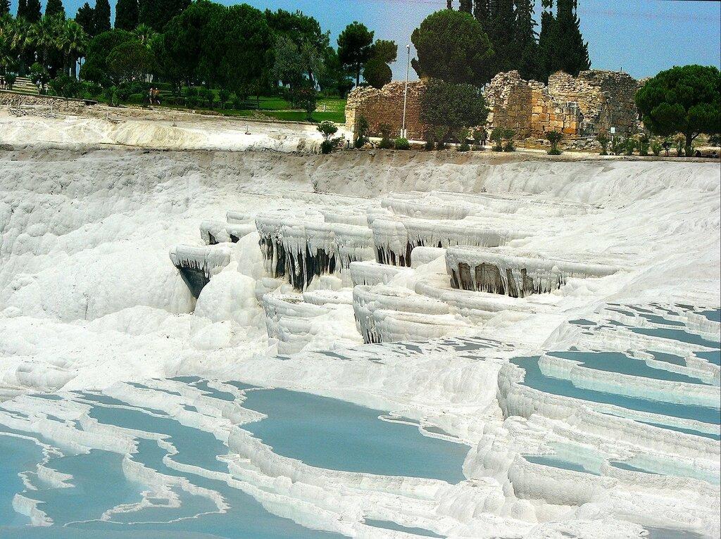 Памуккале - травертины и сталактиты
