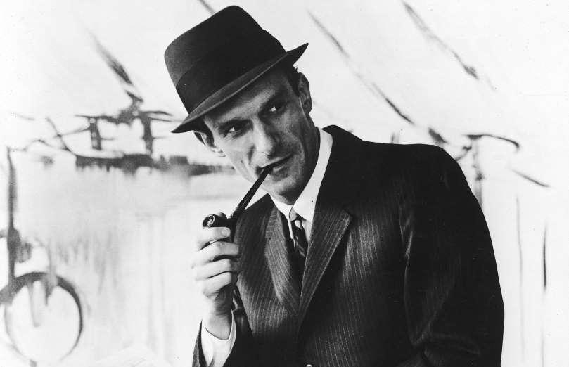 Получил работу в популярном журнале Esquire   В 1951 году Хью Хефнер получил ра