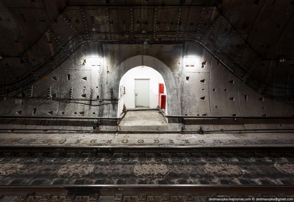И последняя фотография — тоннелепроходческий щит.  В зависимости от размеров щита, диаметр полу