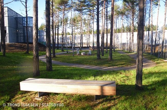 © Trond Isaksen / Statsbygg     Двор  Хальден  спроектирован так, чтобы со
