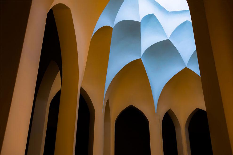 «От ковра до трона», Хоссейн Юнеси (Hossein Younesi), Иран.