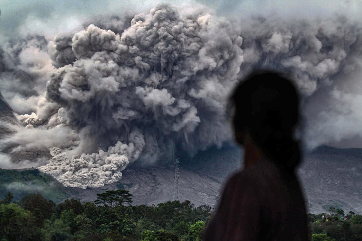 2. Извержение Синабунга, 12 февраля 2017.