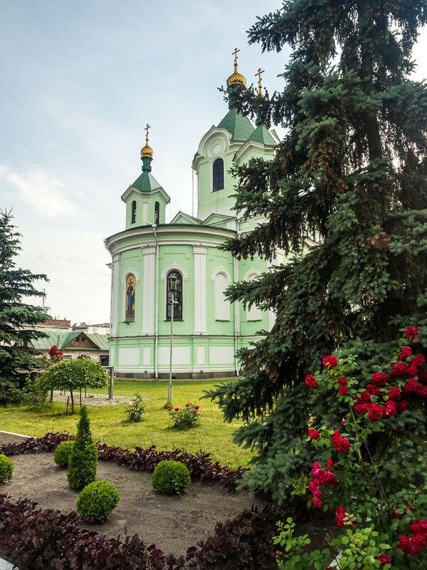 и Свято-Симеоновский собор.