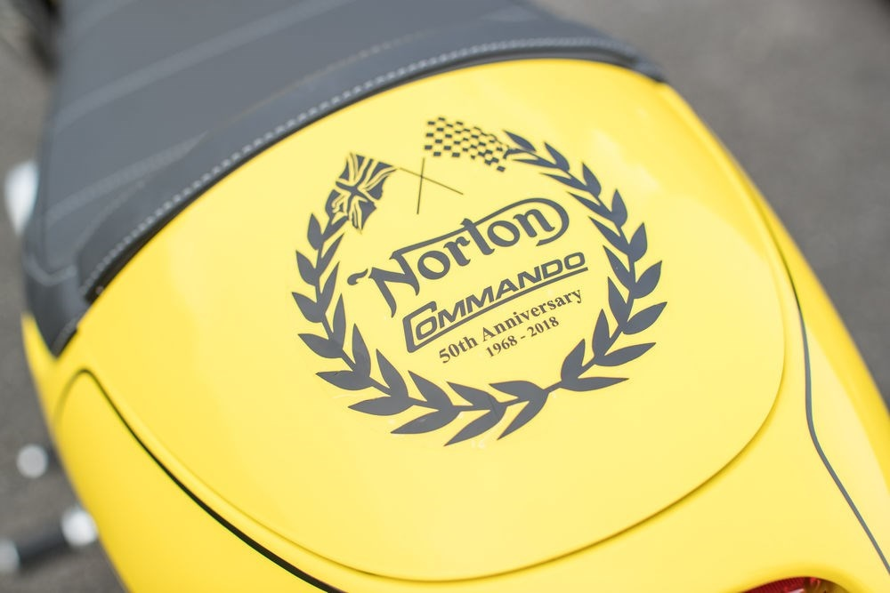 Классик Norton Commando 961 California 50th Anniversary