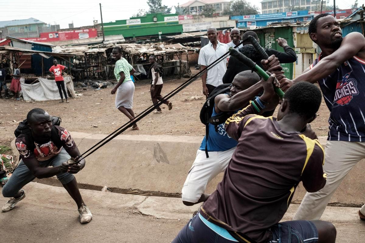 Давай оттягивай сильнее: Коллективное оружие современного кенийского протеста