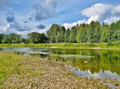 Первые дни осени у реки