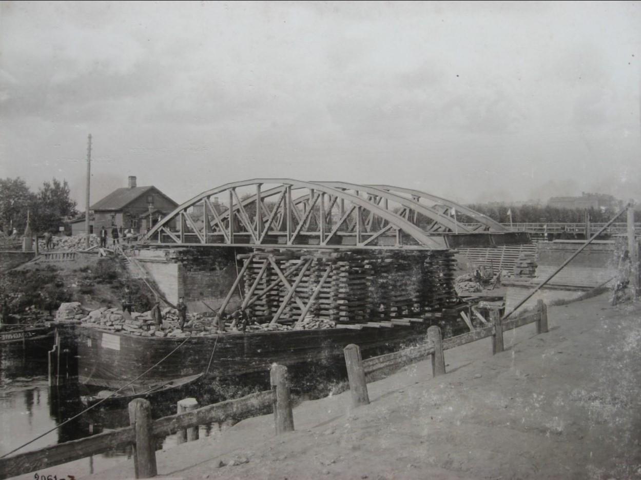 02. Демонтаж старого моста через Обводный канал для строительства нового