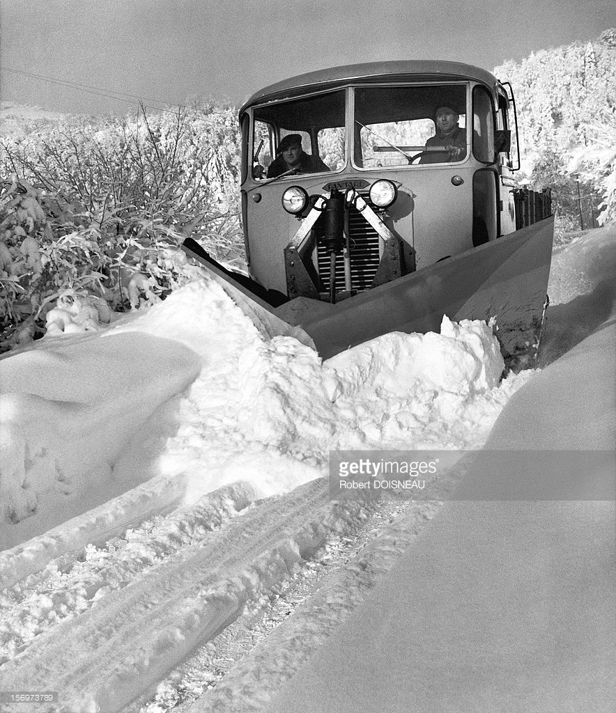 1962. Снегоуборочная машина на дорогах Лаффри