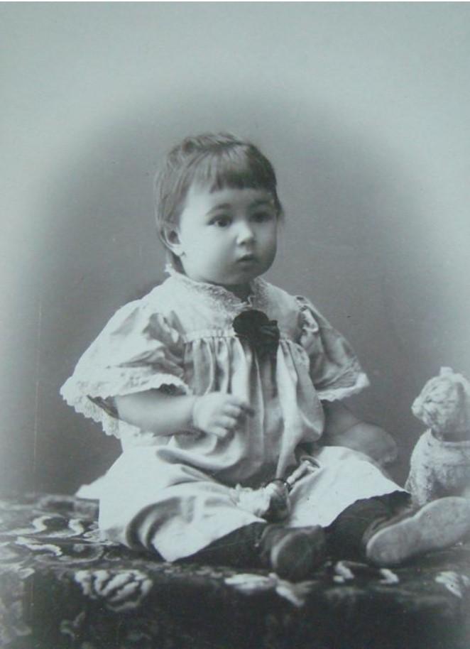 1910. Портрет девочки Сони Тержиной. 29 декабря