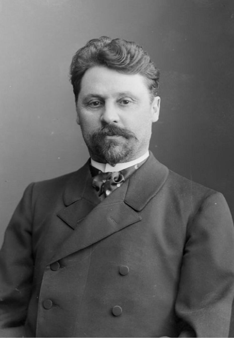 П.Н. Михалкин – заведующий хирургическим отделением Нижегородской губернской земской больницы. 1900