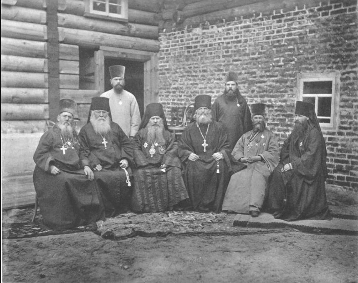 Участвующие в освящении новой Никольской церкви. 1891