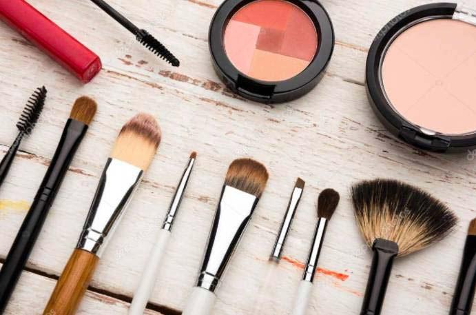 обновить макияж с помощью хайлайтера