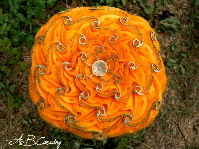 15-Alternative-Halloween-Pumpkins-carved-by-master-Angel-Boraliev-59ed98bc79172__700.jpg