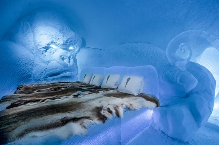 ice-hotel-sweden-9.jpg