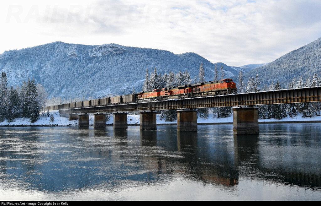 BNSF Railway GE ES44AC BNSF 6317 C-SCMCEC, MRL 4th Subdivision, Colby, Idaho, USA, Dec 26, 2015.