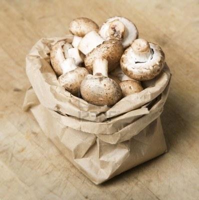 26. Грибы храните в бумажном пакете, а не в целлофановом.