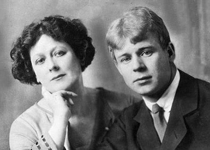 Айседора Дункан стала третьей женой Сергея Есенина. Когда они впервые встретились, то с первого же в