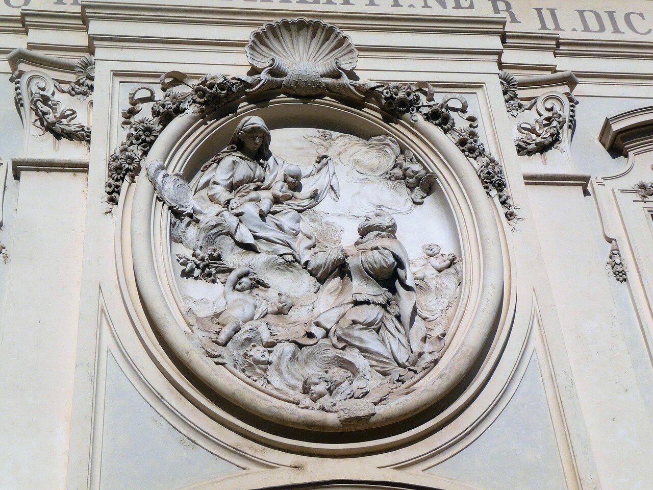 Via Giulia -  Chiesa di San Filippo Neri