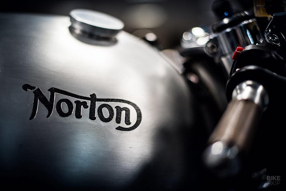 Partridge Design: кафе рейсер Norton Dominator Naked